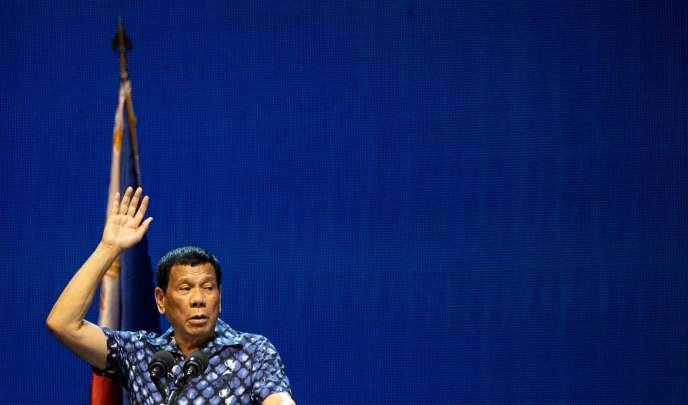 Rodrigo Duterte en campagne, à Manille, le 11 mai 2019.