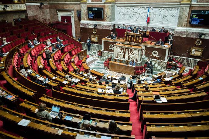 L'Assemblée nationale examine le projet de loi pour la restauration de la cathédrale Notre-Dame de Paris, le 10 mai.