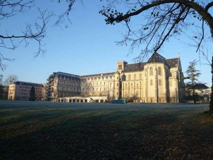 En 2018, 85 des admis à Polytechnique étaient issus du lycée privé Sainte-Geneviève, de Versailles.