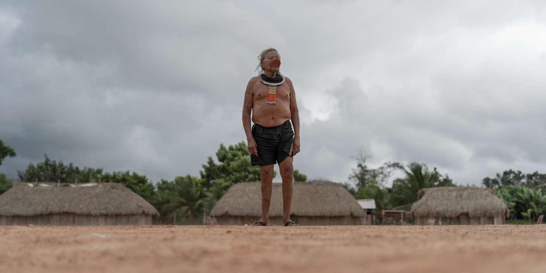 En Amazonie, le combat de Raoni, le dernier des Kayapo