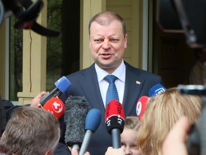 Saulius Skvernelis, le premier ministre lituanien, candidat de l'élection présidentielle, le 12 mai à Vilnius.