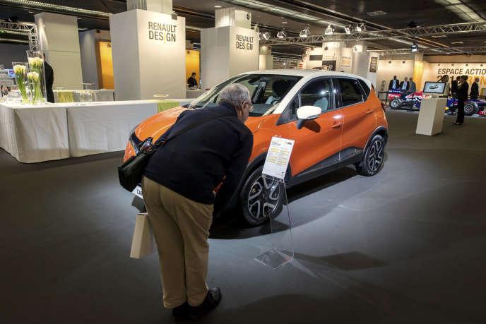 Showroom de presentation des nouveaux vehicules. Renault Captur.
