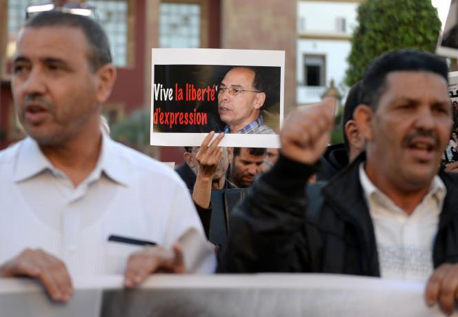 Manifestation de soutien à l'universitaire marocain Maati Monjib à Rabat, le 21 octobre 2015.