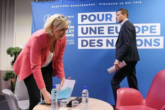 La présidente du Rassemblement national Marine Le Pen et le candidat du parti aux élections européennes Jordan Bardella, le 15 avril, à Strasbourg.