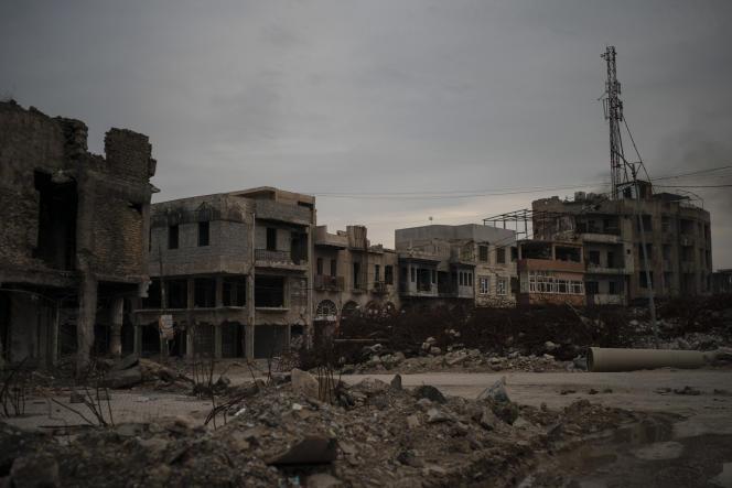 Bagdad, qui a déjà condamné plus de 500 étrangers – hommes et femmes – pour appartenance à l'EI, s'est proposé de juger également le millier d'étrangers actuellement aux mains des Kurdes en Syrie.