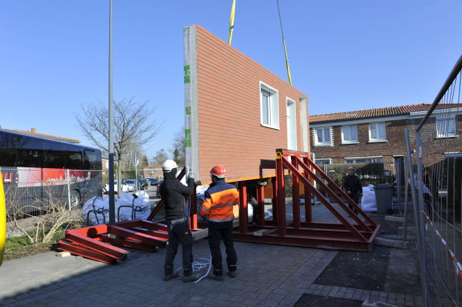 Rénovation en juin 2018 d'un ensemble de maisons à Hem près de Lille, selon la démarche EnergieSprong