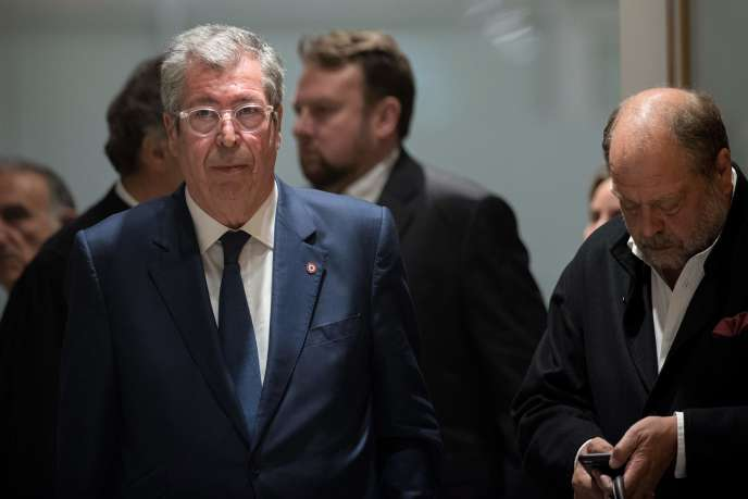 Patrick Balkany (à gauche), le 13 mai 2019 au tribunal de Paris.