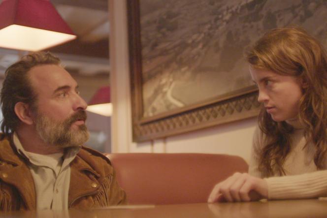 Jean Dujardin et Adèle Haenel dans« Le Daim», de Quentin Dupieux.