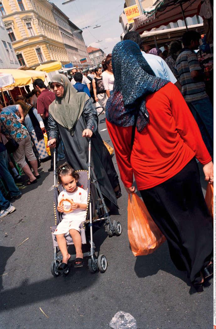 Les musulmans représentent 8 % de la population autrichienne (ici, sur le Brunnenmarkt, l'un des plus grands marchés de Vienne).