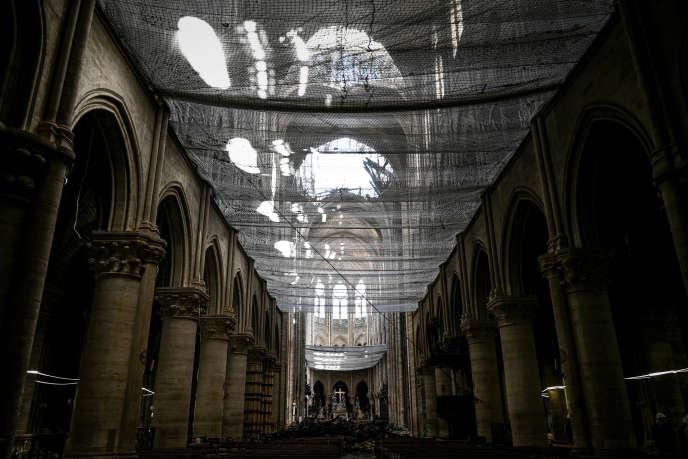 Vue de l'intérieur de la cathédrale Notre-Dame de Paris, le 15 mai.