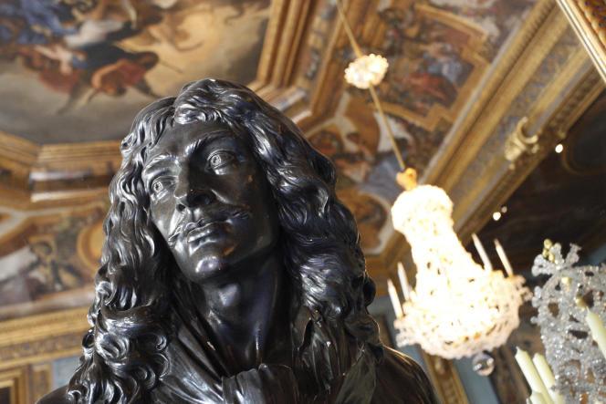 Il écrivait et jouait des pièces de théâtre, il a son buste au Château de Vaux-le-Vicomte, il a donné son nom à une cérémonie... Molière, bien entendu !