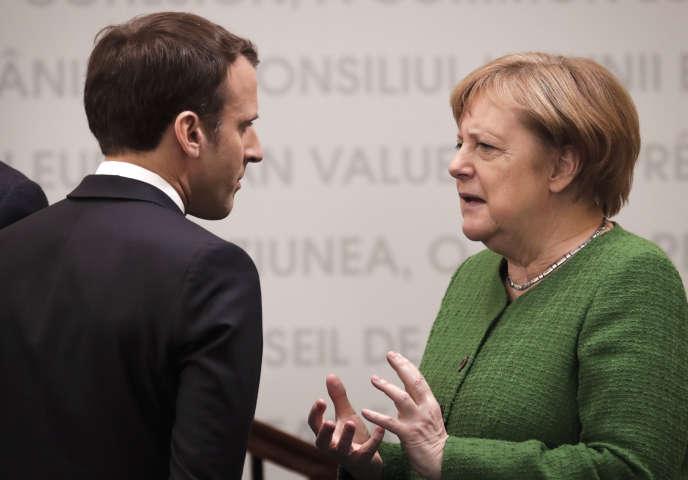 Emmanuel Macron et Angela Merkel en visite à Sibiu (Roumanie) lors d'un sommet européen, le 9 mai.