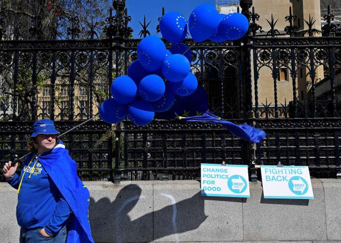 Un partisan du maintien du Royaume-Uni dans l'UE, à Londres, le 16 mai.