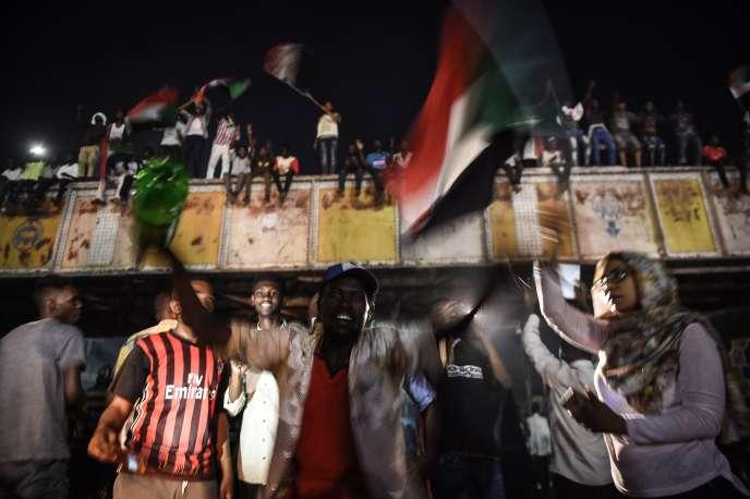 Manifestants à Khartoum, le 15 mai.