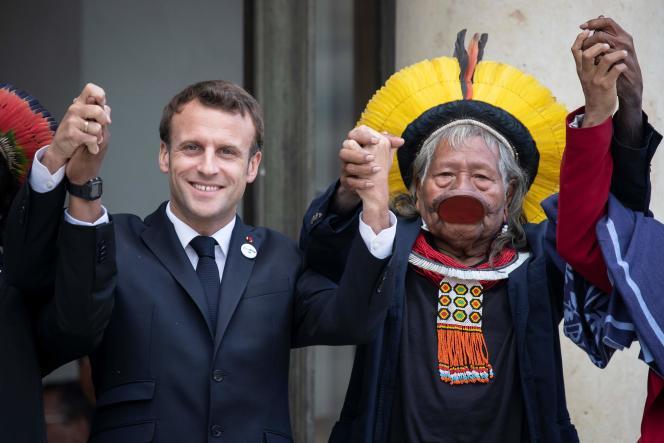 « Nous voudrions commencer par discuter de la situation dans le territoire français, au-delà des effets d'annonce ou de réunions de figuration avec notre Grand Conseil coutumier. » (Photo: le président Emmanuel Macron rencontre le chef indigène brésilien Raoni Metuktire au palais de l'Elysée, à Paris, le 16 mai.)