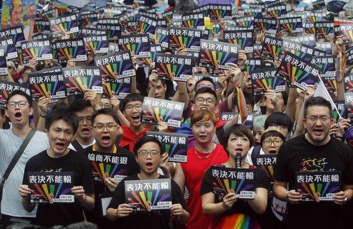 Les partisans du mariage homosexuel à Taïwan, le 17 mai.