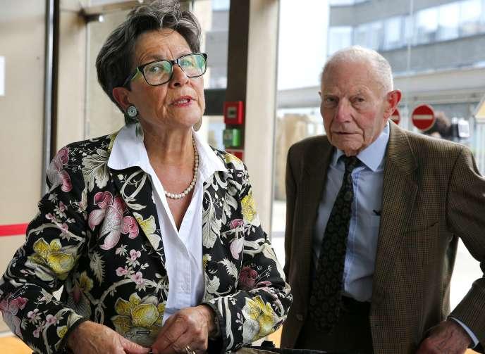 Viviane et Pierre Lambert, les parents de Vincent, le 9 juin 2016 à Reims.