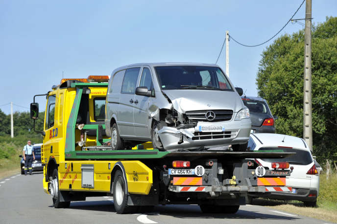« L'une des premières causes d'accident en voiture, selon moi, c'est le téléphone portable », dit Guillaume Milert, directeur du centre d'appels Ceacom implanté au Havre.