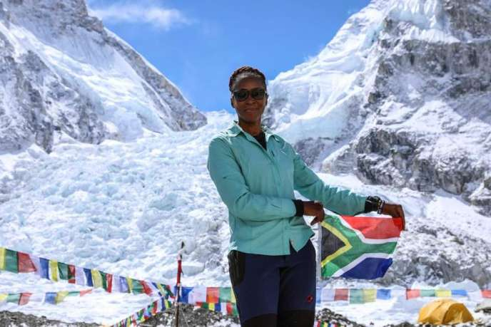 Saray Khumalo, 47ans, a atteint l'Everest jeudi 16 mai.