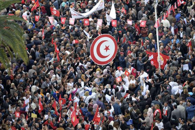 A Tunis, le 22 novembre 2018, manifestation lors de la grève générale durant les négociations entre syndicats et gouvernement sur les salaires.