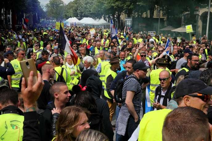 Manifestation des« gilets jaunes», le 18 mai à Reims.