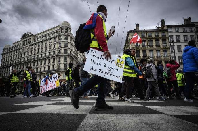 Mobilisation des « gilets jaunes» à Lyon (Rhône), le 11 mai.