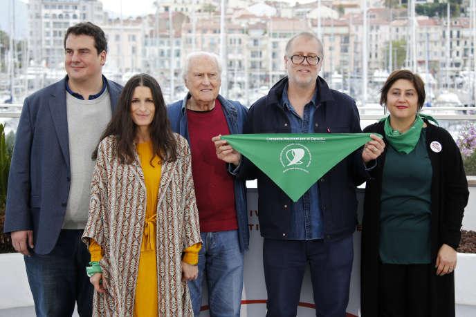 A Cannes, le monde du cinéma en vert pour défendre le droit à l'avortement