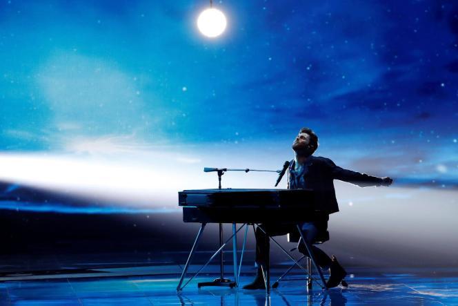 Le chanteur néerlandais Duncan Laurence lors de la finale du concours de l'Eurovision, à Tel-Aviv (Israël), le 18 mai.