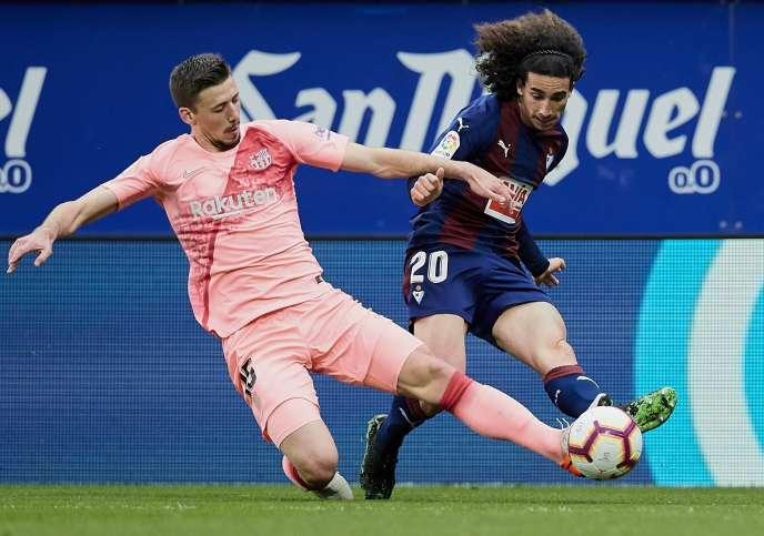 Le défenseur de Barcelone Clément Lenglet (à gauche).