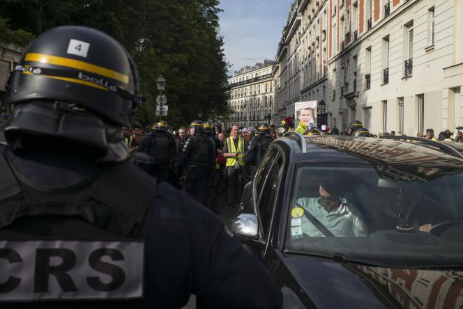 Mobilisation des « gilets jaunes» à Paris, le 18 mai.