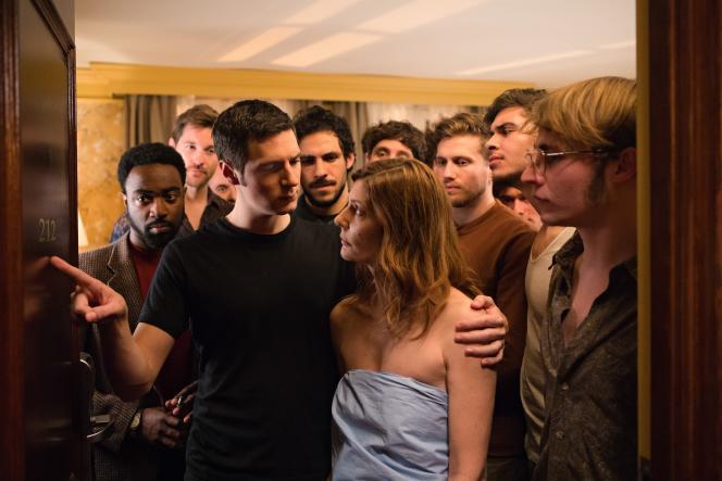 Vincent Lacoste et Chiara Mastroianni dans« Chambre 212», de Christophe Honoré.