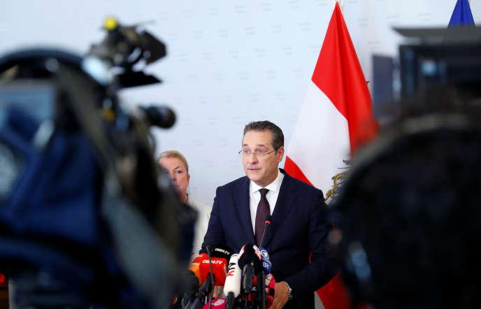 Le vice-chancelier autrichien, Heinz-Christian Strache, présente sa démission, samedi 18 mai, à Vienne.