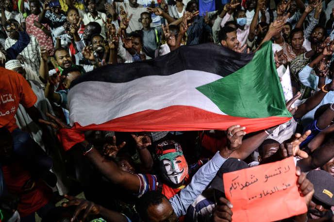 Le 19 mai à Khartoum, les Soudanais toujours mobilisés pour s'assurer que la transition ne se fera pas sans eux.