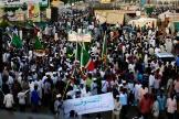 Les manifestants poursuivent lesit-in devant le QG de l'armée à Khartoum.