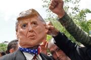 Des manifestants iraniens s'élèvent contre les nouvelles sanctions américaines, à Téhéran, le 10 mai.