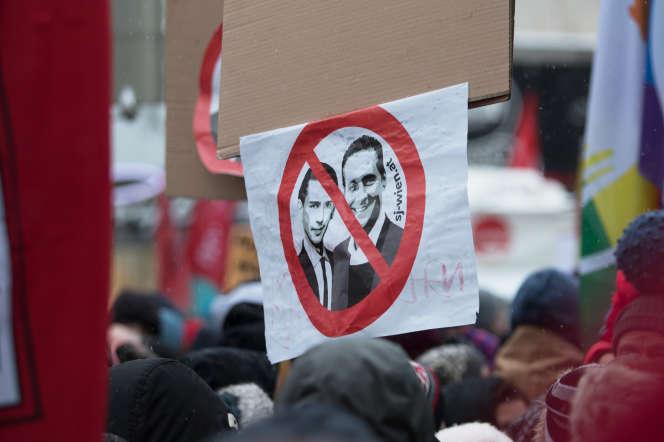 Manifestation contre le chancelier autrichien,Sebastian Kurz, et son désormais ex-vice-chancelier,Heinz-Christian Strache
