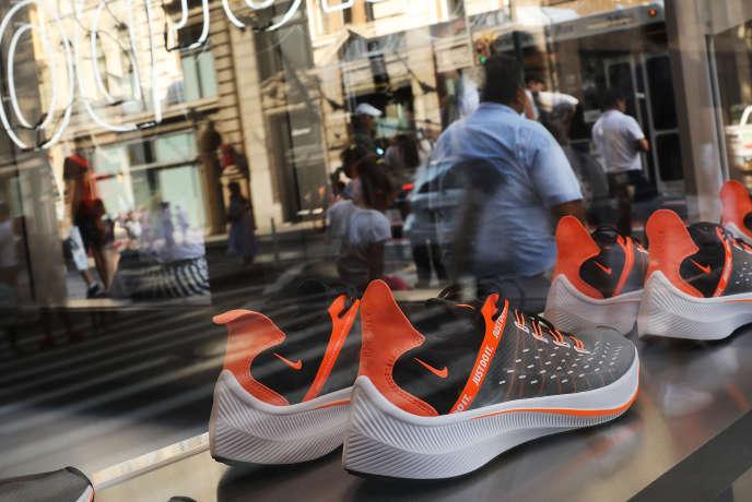 La Chine produit plus d'un quart des chaussures vendues par l'américain Nike dans le monde. Ici, à New York.