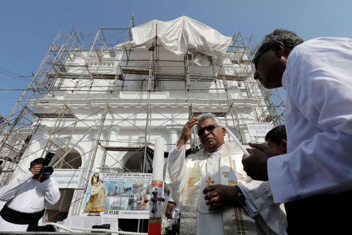 La cathédrale Saint-Antoine, un des lieux de culte attaqué le 21 avril, à Colombo, Sri Lanka, un mois après les faits.