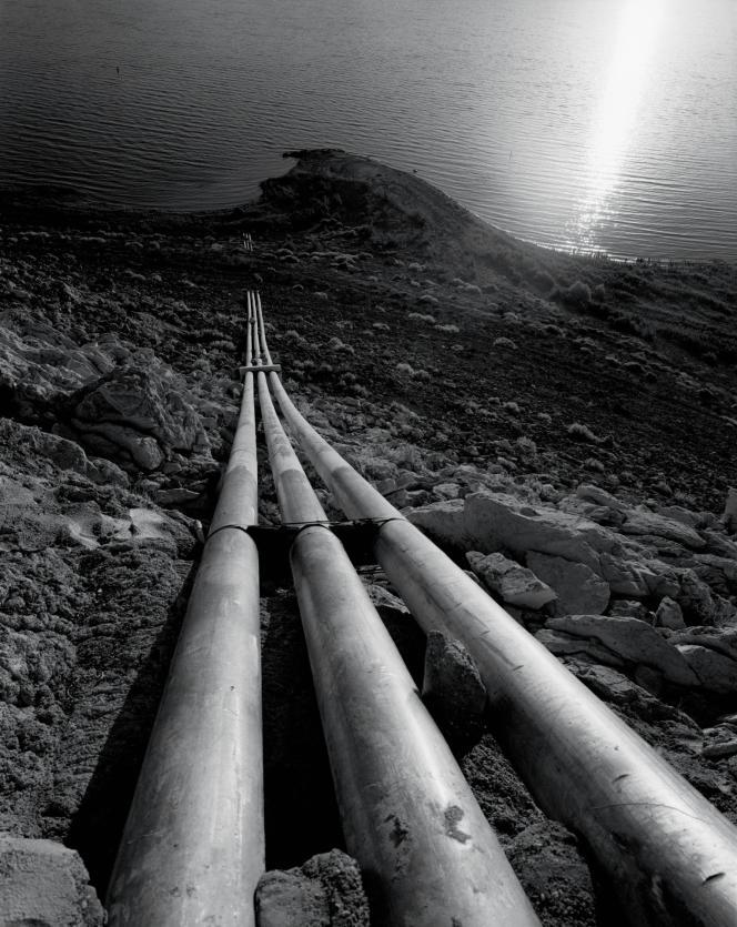 Des pipelines qui extraient l'eau du lac Mead (Nevada et Arizona).