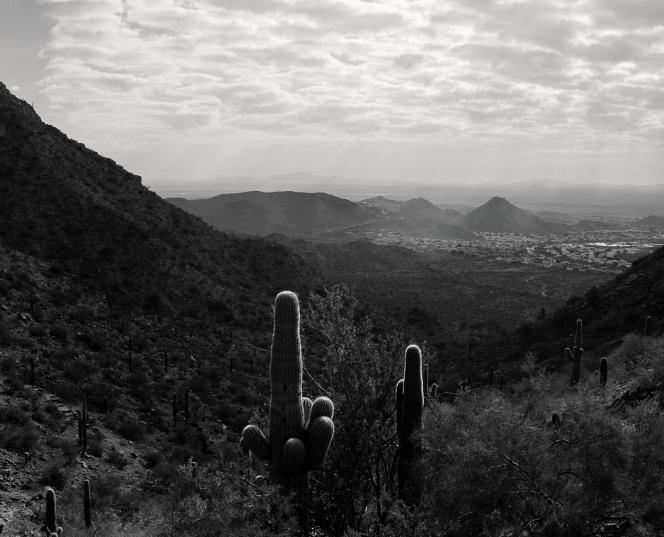 Au loin, le quartier Ahwatukee à Phoenix (Arizona).