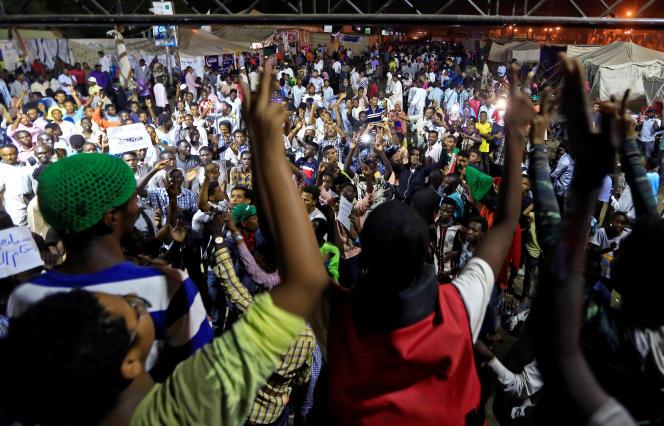 Manifestation à Khartoum, capitale du Soudan, le 22 mai.