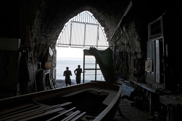 Un atelier de réparation de bateaux, à Meta di Sorrento, dans le sud de l'Italie.