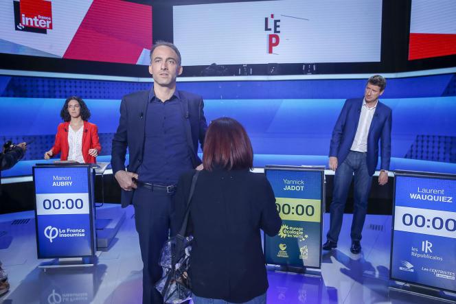 Manon Aubry, Raphaël Glucksmann et Yannick Jadot lors d'un débat télévisé sur le plateau de France 2 à Saint-Cloud (Hauts-de-Seine), le 22 mai.