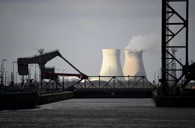 La centrale nucléaire de Doel, à 25 kilomètres d'Anvers.