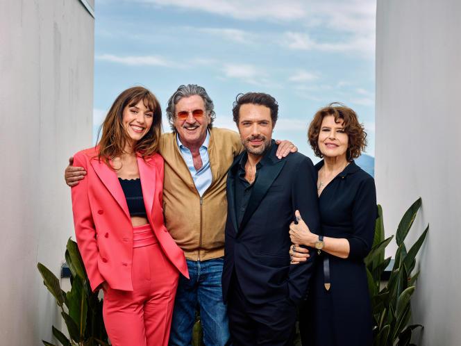De gauche à droite : Doria Tillier, Daniel Auteuil, Nicolas Bedos et Fanny Ardantà Cannes, le 21mai, pour le film «La Belle Epoque».