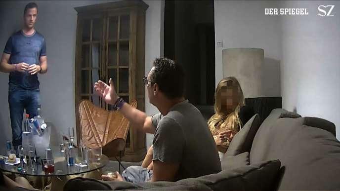 Un extrait de la vidéo de 2017 dans laquelle Heinz-Christian Strache, futur vice-chancelier autrichien, est piégé par une jeune femme se présentant comme la nièce d'un oligarque russe.