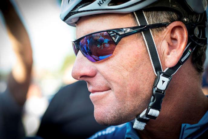 Lance Armstrong, sur le 102e Tour de France, entre Muret et Rodez, le 16 juillet 2015.