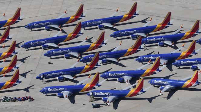 Les avions 737 MAX de la compagnie américaine Southwest Airlines immobilisés sur le tarmac de l'aéroport de Victorville, en Californie, le 28 mars 2019.