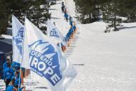 Des activistes de Génération identitaire érigent une barrière symbolique contre les migrants près de Briançon (Hautes-Alpes), en avril 2018.