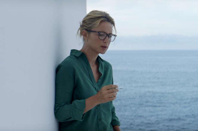 L'actrice Virginie Efira dans « Sibyl », film français de Justine Triet.